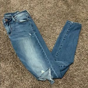 Old Navy Rockstar Mid-rise denim jeans ripped.